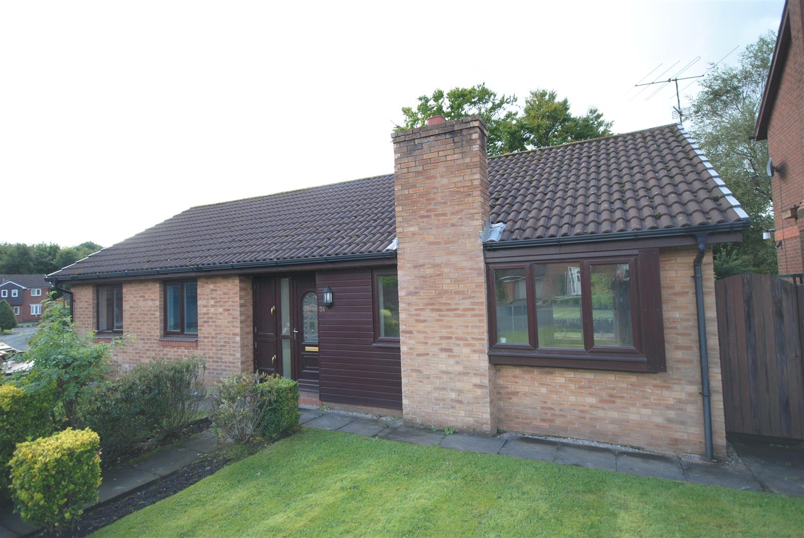 3 Bedrooms Detached Bungalow for sale in Kingshill Court, Standish, Wigan